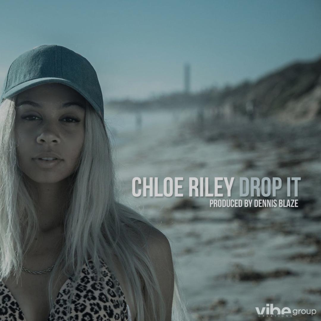 Chloe Riley Nude Photos 64